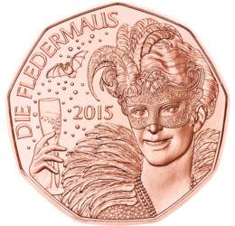 // 5 euró, Ausztria, 2015 // - Az újévi bécsi koncert sokak által várt élménye Johann Strauss Denevér című operettje, mely egy igazi vidám, vicces szilveszteri történet. Ezért választotta a 2015-ös újév köszöntésére az Osztrák Pénzverő ezt a nemes motívum