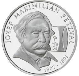 // 200 korona, 900-as ezüst, Szlovákia, 2007 // - A mérnök-matematikus Petzvál József bár német családba született, mindig magyarnak vallotta magát. Fénytanban végzett kutatásai és találmányai forradalmasították a fényképezést. Emlékét több róla elnevezet