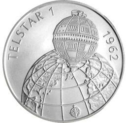 // 500 forint, 925-ös ezüst, Magyar Köztársaság, 1992 // - A Telstar elindítása óriási lépést jelentett a telekommunikáció számára. 1962-ben állították pályára, és ez volt az első aktív távközlési műhold, mely direkt közvetítést végzett. 1992-ben a Telsta