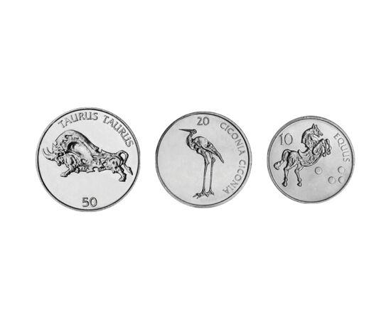 // 10, 20, 50 tolarjev, Szlovénia, 2002-2006 // - Szlovéniában 1991-től az euró bevezetéséig, 2007-ig a tolar volt a fizetőeszköz. Érméin hagyományosan nem a történelmi és kulturális kincseik jelentek meg, hanem természeti örökségük, állatok díszítették.