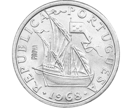 // 2,5 escudo, Portugália, 1963-1985 // - Az érmén Vasco da Gama hajója látható, amellyel megkerülte a Jóreménység-fokot, és az óceánt átszelve eljutott Indiába. Ez után tett szert Portugália gyarmatokra a Távol-Keleten. A flotta négy hajóból állt, de csa