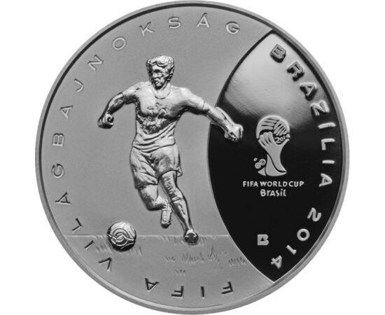 // 3000 forint, 925-ös ezüst, Magyarország, 2013 // - Brazília adott otthont a legutóbbi labdarúgó VB-nek 2014-ben. Az ennek kapcsán kiadott emlékpénz volt az első forint emlékpénz, melyen a FIFA Világbajnokság hivatalos emblémája látható. Az előlap egysz