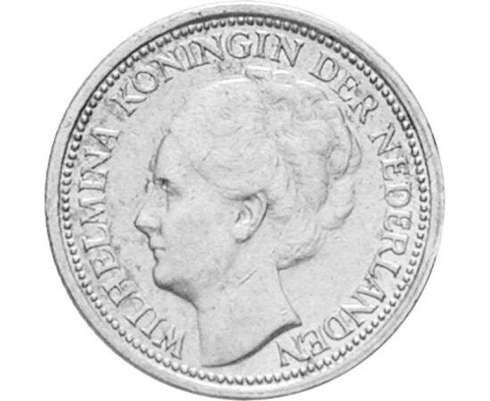 // 10 cent, 640-es ezüst, Hollandia, 1926-1945 // - Wilhelmina királynő közkedvelt volt, és világszerte híres jótékony cselekedeteiről. Hazánk is hálát érezhetett iránta, hiszen az I. világháború után több ezer árván maradt gyermeket látott vendégül. Ural