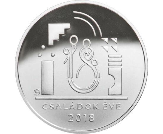 """// 10000 forint, 925-ös ezüst, Magyarország, 2018 // - A 2018-as évet a családok évének nyilvánították. Ez alkalomból játékos érme jelent meg. Előlapján építőkockákból formát szív alak, hátlapján építőkockák """"alkotta házban"""" az év logója, egy négytagú csa"""