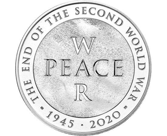 // 5 font, Nagy-Britannia, 2020 // - Az idei év legfontosabb történelmi évfordulójáról természetesen a brit királyi verde is megemlékezett. A II. világháború borzalmainak 75 évvel ezelőtt lett vége. Az érmén a béke és a háború szavak jelennek meg egymást