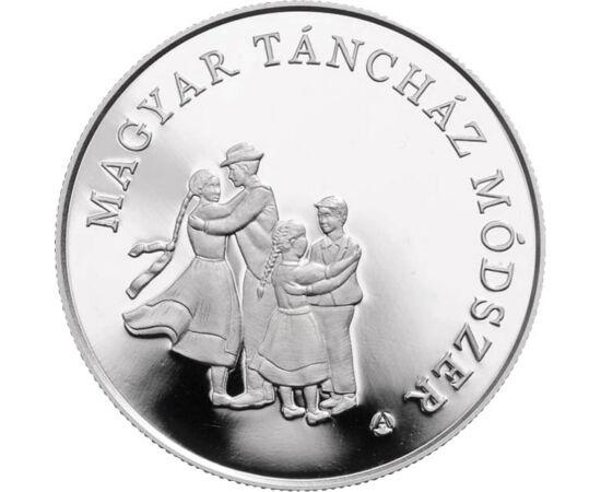 // 3000 forint, 925-ös ezüst, Magyarország, 2013 // - 2013 első emlékpénze a magyar táncházmozgalom előtt tisztelgett. A magyar népzene szabad műhelyeként létrejött mozgalom kultúrát közvetített, de egyúttal szét is törte a szocialista-realizmus merev ker