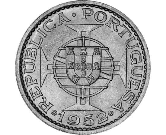 // 5 pataca, 720-as ezüst, Makaó, 1952 // - Makaóért egész gyarmati léte során a portugálok bérleti díjat fizettek Kínának. Ezért Kína soha nem ismerte el gyarmati besorolását, különösen nem 1949 után a Kínai Népköztársaság. Így ez a gyarmati pénz formáli
