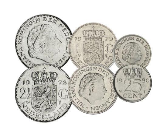 // 1, 5, 10, 25 cent, 1, 2 1/2 gulden, Hollandia, 1950-1980 // - Julianna királynő 1948-ban lépett trónra miután édesanyja lemondott a trónról javára. 1980-ig volt királynő amikor átadta a hatalmat lányának. A magyarok számára kivételesen kedves emlékű ur