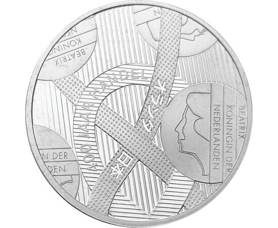 // 5 euró, 925-ös ezüst, Hollandia, 2009 // - A holland pénzverő 2009-es kibocsátása egy érdekes és kifejező motívumú érme. Az ezüst 5 euró a két tengeri nagyhatalom, Japán és Hollandia kereskedelmi együttműködését ünnepelte, mely 400 éve köttetett.